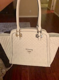 White Guess Leather Bag in great condition. Only used a couple times!  Morgan Hill, 95037