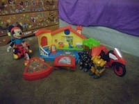 toddler's assorted plastic toys Machesney Park, 61115