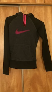 Black and red nike pullover hoodie / Size XS Albuquerque, 87106