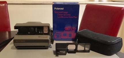 Polaroid Camera & Close Up Lens