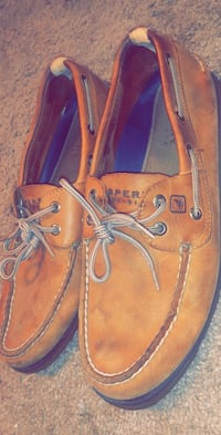 brown leather boat shoes with box Hagerstown, 21742