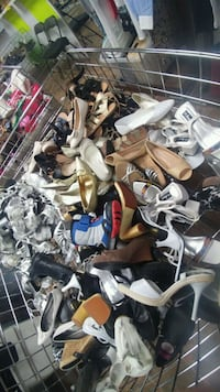 500 paires chaussure $6 chaque