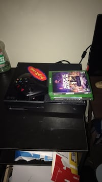 Xbox one with 3 games one controller  Middleburg, 20117