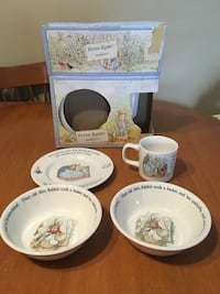 Peter rabbit by Wedgwood infant set dishes with extra bowl