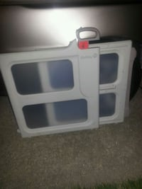 Like new baby gate great condition firm