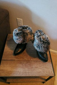 pair of black-and-gray fur boots Germantown, 20876