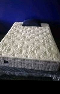 Queen mattress and box spring sets or separately Nashville, 37115