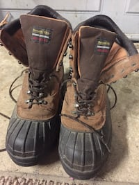 Rocky waterproof work boots size 13M 600 Thinsulate...