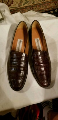 Etienne Aigner brown leather loafers Alexandria, 22310