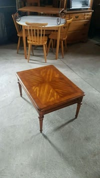 solid wood coffee table  Caledon, L7C 1Y9