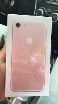 rose gold iPhone 7 box Vancouver, V6B 2R1