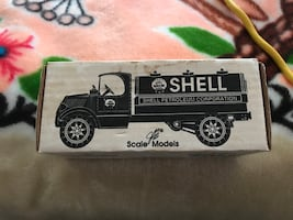 Collectible Shell die cast 1935 Mack Tanker Bank