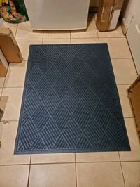 3x4 navy entry mat. Heavy duty Mississauga, L5J 1P2