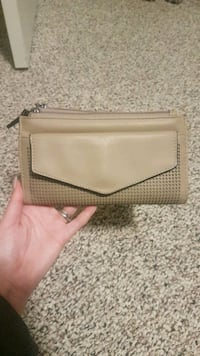 Lily and ivy wallet Red Deer, T4R 0E6