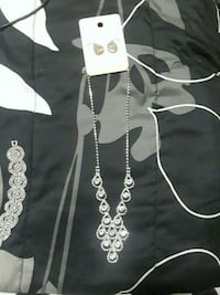 Diamond necklace with matching earrings Newburgh, 47630