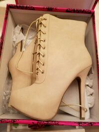Brand New Boots Charlotte, 28270