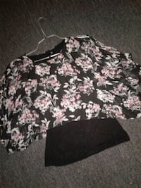 floral flowy blouse  Fort Worth, 76105