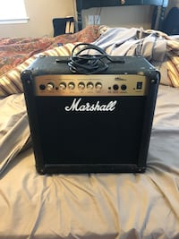 Marshall guitar amp Round Hill, 20141
