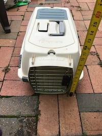 Small pet carrier crate 14 km