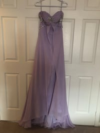 Selling v nice dress small to medium size Vaughan, L6A 1R2