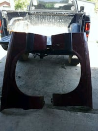 Set of front fenders off 87 mustang