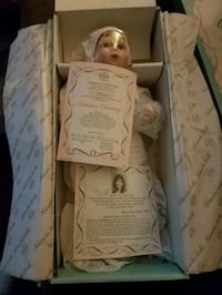 porcelain doll with box Westminster, 21157