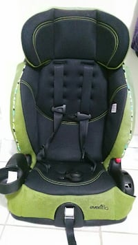Evenflo baby's black and green car seat Markham, L3S 2Z8