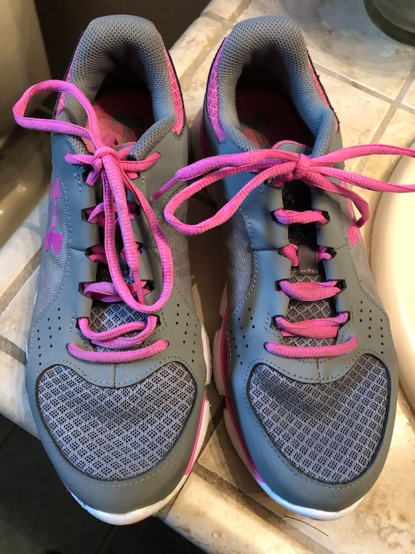 Used Under ARMOUR WOMENS tennis shoes. SZ-9.5. Firm!! Serious buyers only!!  for sale in Fresno - letgo aef31fee2