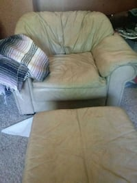 Chair &Ottoman Toppenish, 98948