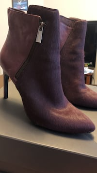 Vince Camuto 9.5 size