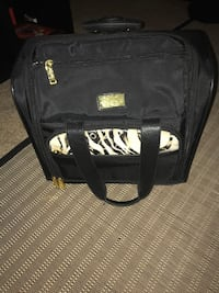 Rolling carry on bag
