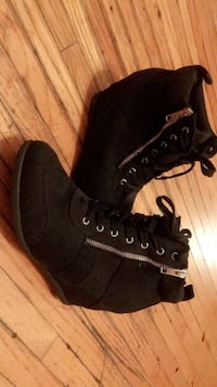 heel high tops size 8 Winnipeg, R2W 0Y4