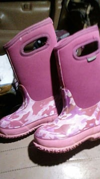pink camouflage rubber boots Rathdrum, 83858
