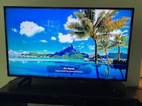 "LG 4K Smart TV 49"" Great condition"