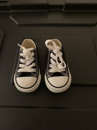 Toddler black converse size 4