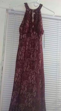 women's maroon floral sleeveless dress South Bend, 46619