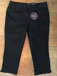 Fox and Ali Black stretch denim capris, new with tags, size 12 Gonzales, 70737