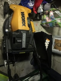 Works lawnmower 36 volt like new needs batteries paid $700 Vaughan, L4L 9B1