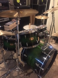 Pearl session custom drum set and cymbals Derwood, 20855