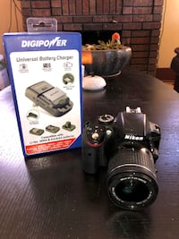 Nikon D3300 With Battery and Universal Charger