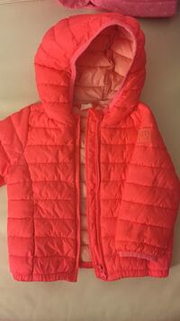 Red zip-up bubble jacket Торонто, M9W 0C6