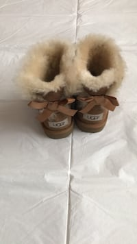 Bailey Bow Original Ugg's~ PRICE DROPPED!! Toronto, M9M 0G4