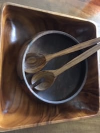 Walnut salad bowls and spoons null