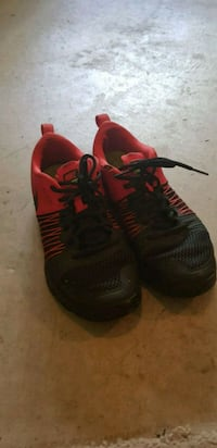 Nike air max red and black size 8.5~9.0 Abbotsford, V2S 0A1