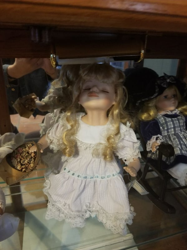 Doll collection. All must go  21e7ff00-0d67-4674-8794-4e70af6cf509