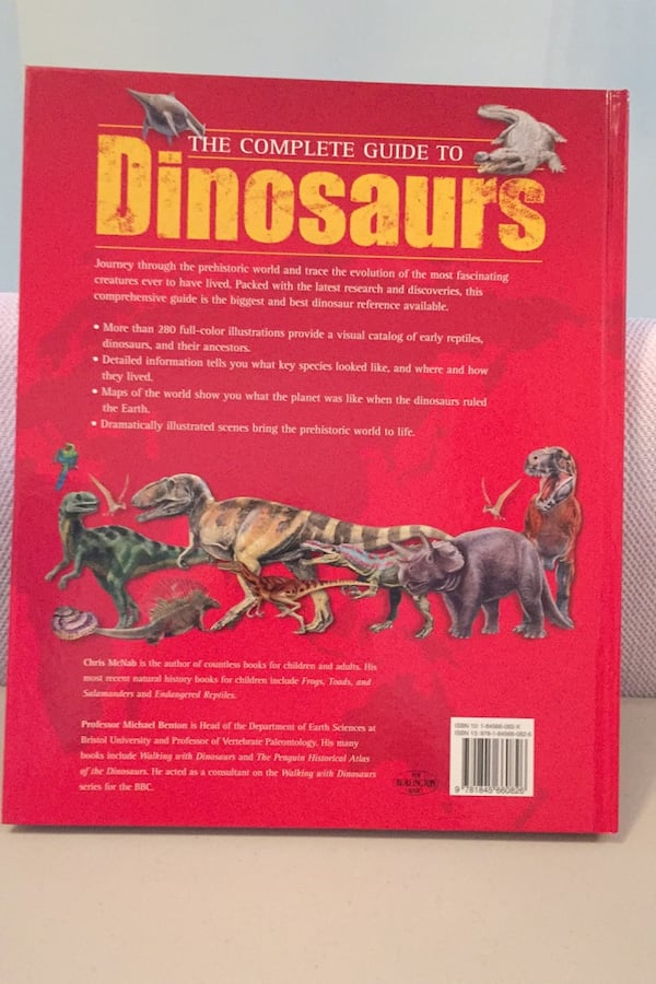 The complete guide to dinosaurs and prehistoric reptiles. Chris McNabb e927b620-ee6d-4124-b28c-1e7ebbc5f9ef