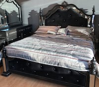 BACK IN STOCK-Black & Mirror Poster Bed (ONLY) queen & king $799 & UP**NO Credit Needed*READ DESCRIPTION Essex