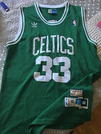 green and white Boston Celtics jersey Oshawa, L1K