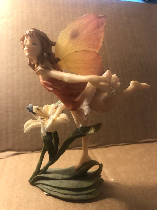Fairy Collectables 5ae3d1b0-38be-4ee6-b82e-263c16c54995