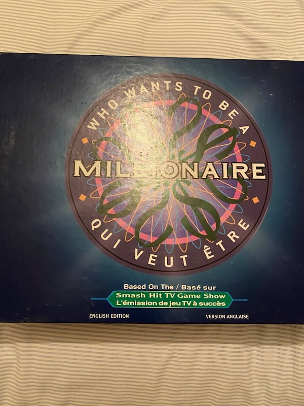 Who Wants to be a Millionaire Board Game 28756198-d1b9-45f5-adc5-28dc04c37bff
